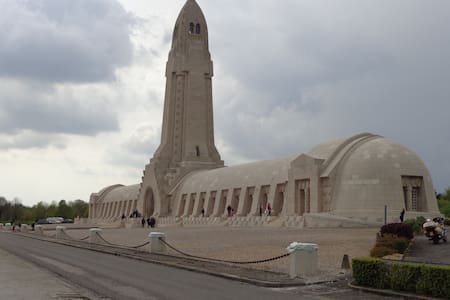 Verdun, Meuse  in de Lorraine - Sivry-sur-Meuse