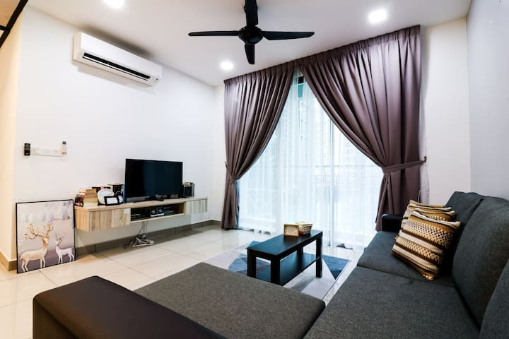 3BR Family Apt for 6 Pax @ Kepong, 3 Min Aeon Big