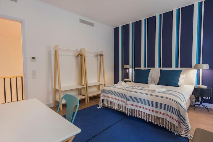 1st Floor - Main Bedroom