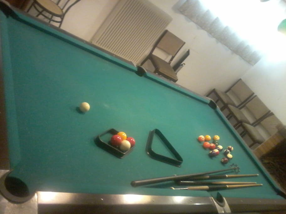 70 SQ METERS FLOOR WITH POOL TABLE FREE 24/7 AC AND 55 INCH TV