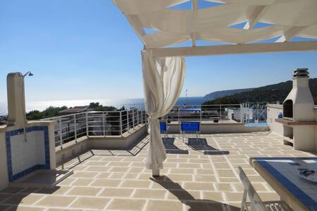 LaLilla. Bright with a Fantastic SeaView Terrace - Marina di Novaglie - Talo