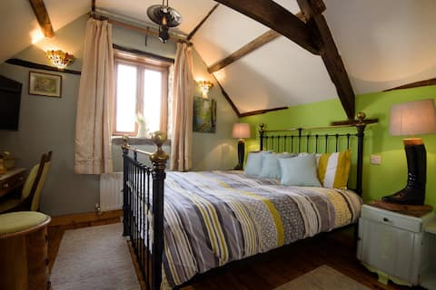 Lovely Wye Dean Cottage (Entire property - Yours)