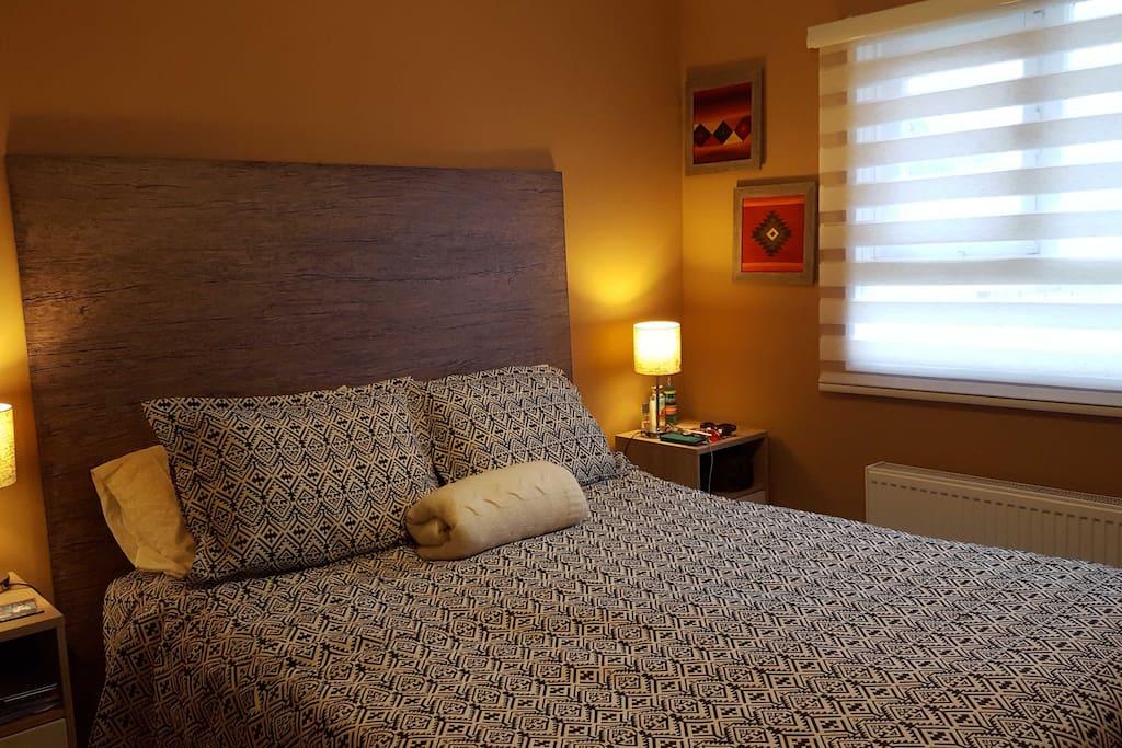 Dormitorio principal. La casa tiene 3 camas en total.