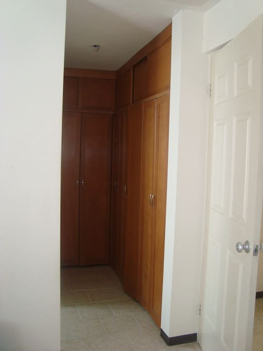 Entire House, 3 rooms, parking
