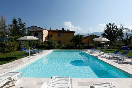 COTTAGE NEAR FLORENCE WITH POOL AND PARK - Pian di Scò
