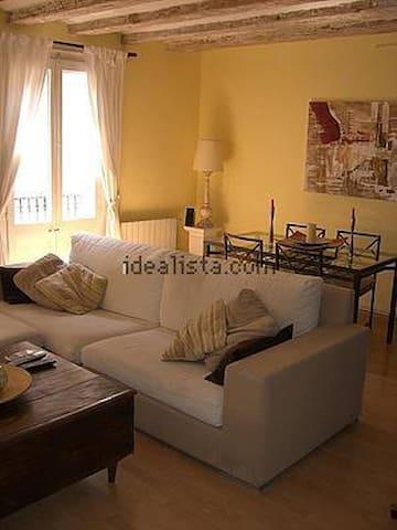 Room gay friendly! Great Location! - Barcelona - Bed & Breakfast