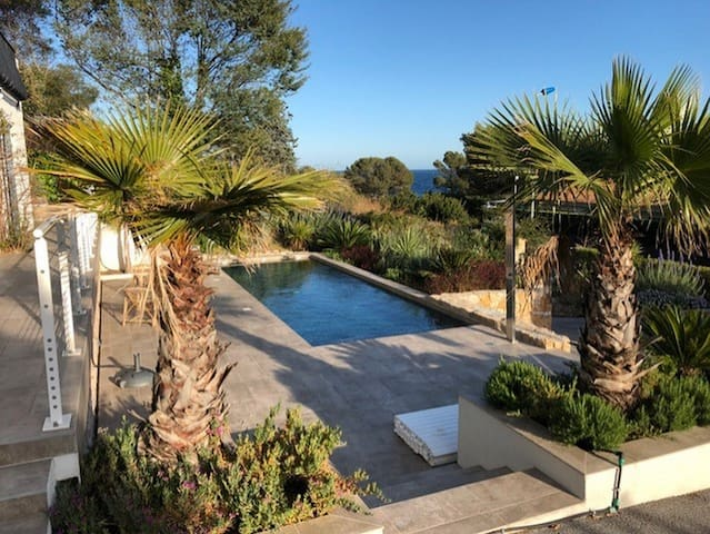 French Riviera wonderful villa with pool sea-view