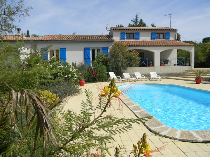 Carcassonne Grande Villa dans grand jardin piscine