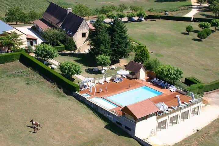 Appt rez de chausée + piscine (6p) - Saint-Geniès - Apartment
