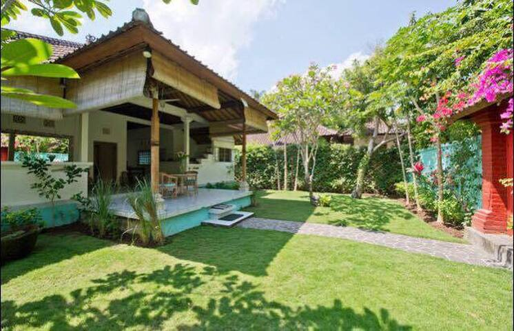 Serene Home Steps from the Beach - Kuta