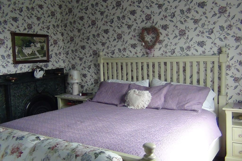 The Rose Room King Sized Bed
