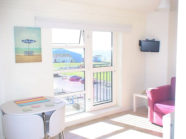 SLEEPS 7 &BABY @BUNDORAN BEACH SEA-VIEWS TV/WASHER