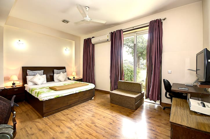 1 BHK Serviced Apt in awarded BnB Property