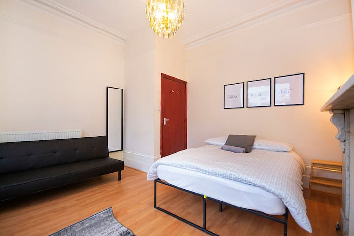 HC1 Private Room in the Heart of Hackney ♥