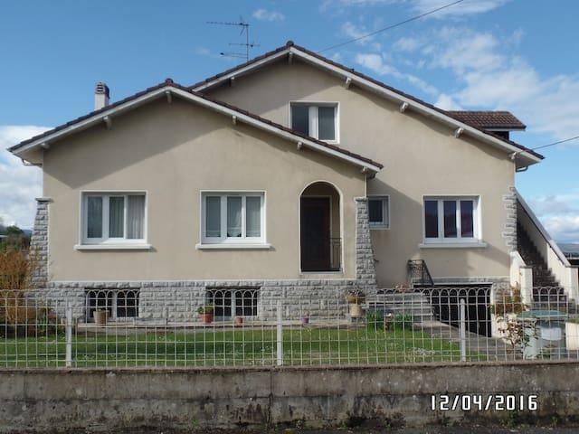 Appartement au 1 etage d'une maison - Goès - Huoneisto