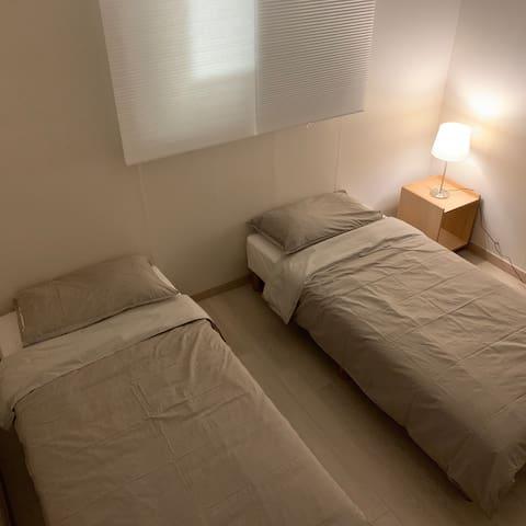 Room2- 2 Super single Beds