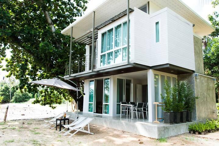 Two Bedroom Mini Suite 4 People Koh Mak