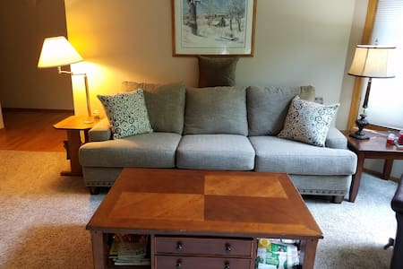 1 room close to Green Bay