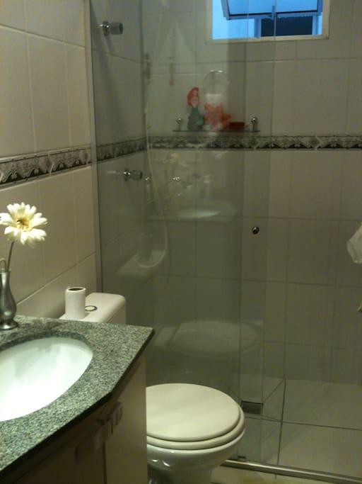 2 banheiros