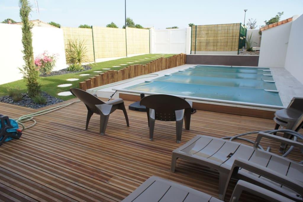 Maison de flora piscine chauff e haut de gamme for Piscine haut de gamme