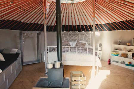 'Enchanted' - Fairytale yurt in the countryside
