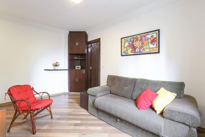 Lindo Apartamento Ar Cond e Garagem no Campo Belo