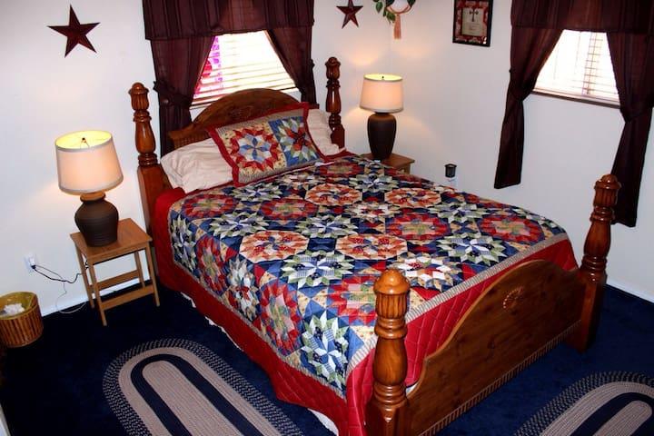 Cozy queen bed - Rio Rancho - Huis