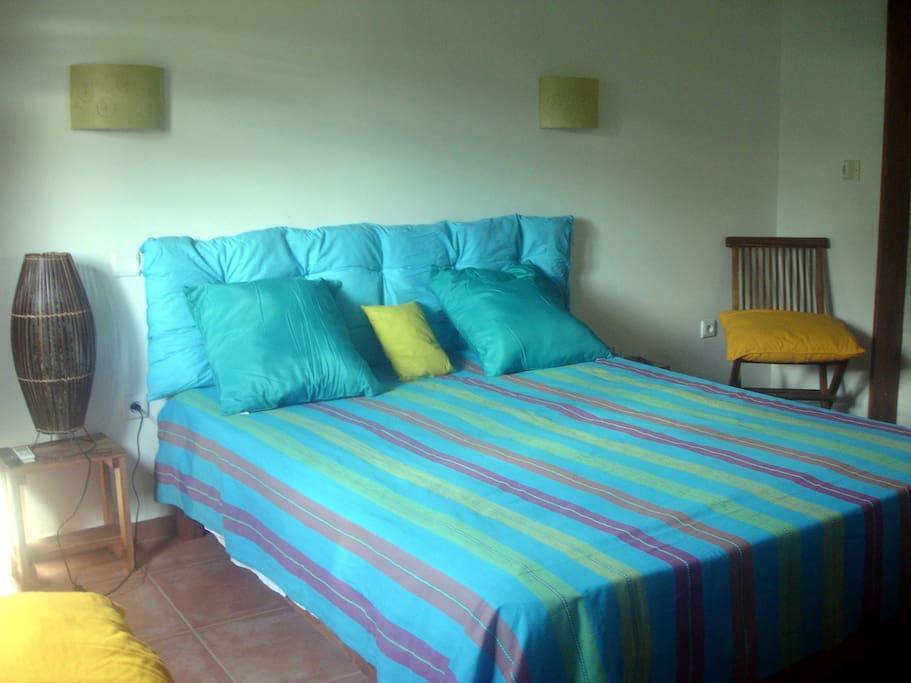 Des grands lits de 160 x 200 (chambre type) avec Climatisations