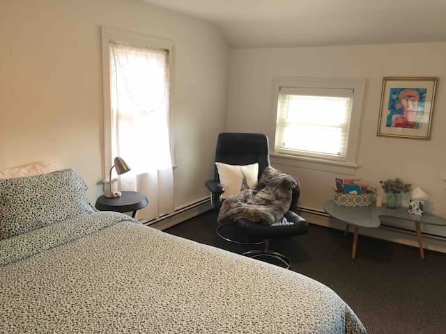"""A Space Between"" - Room near Woodstock/Saugerties"