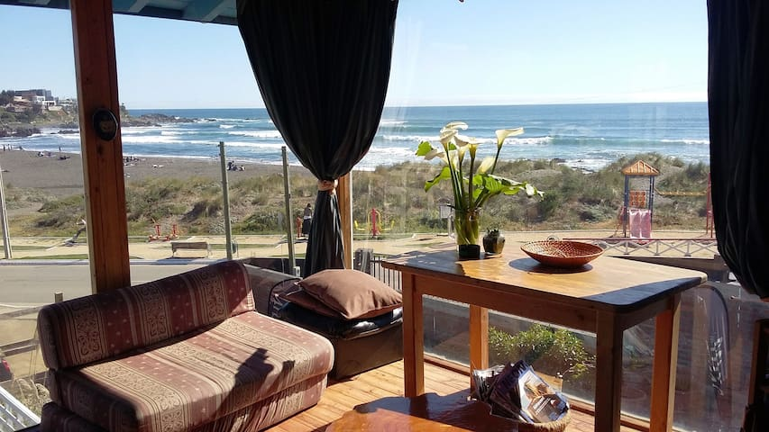 beds with beautiful ocean view, sun terrace, bbq