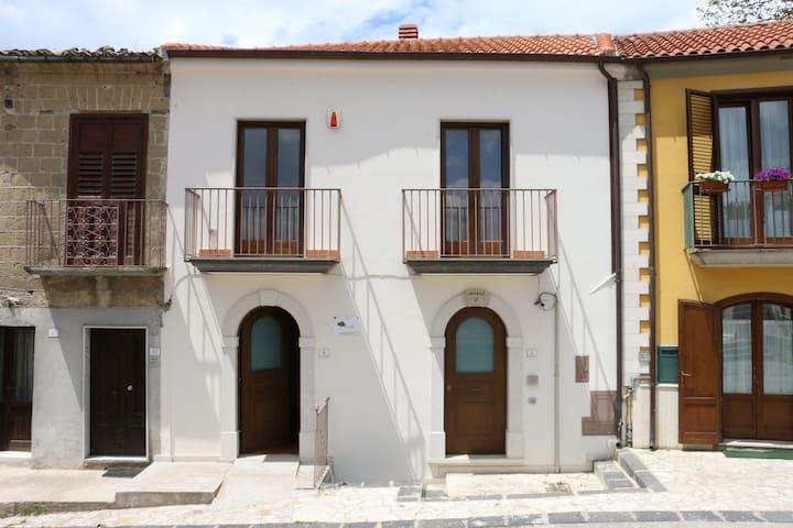 """Casa Vacanze """"Luigi P. Giordano"""" - Montefredane - House"""