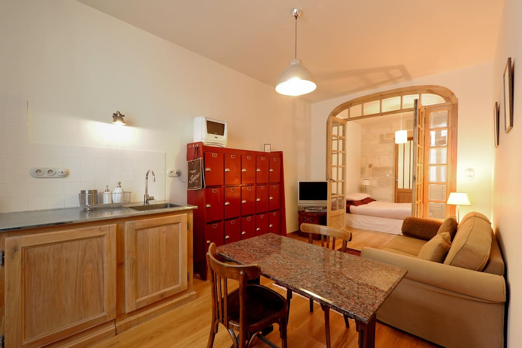 Cosy Studio Center Of Bordeaux Apartments For Rent In