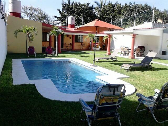 Linda Casa sola en Chiconcuac, Xochitepec, Morelos