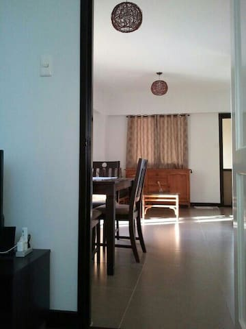 Near airport 2 bedroom corner unit - Parañaque City - Appartement