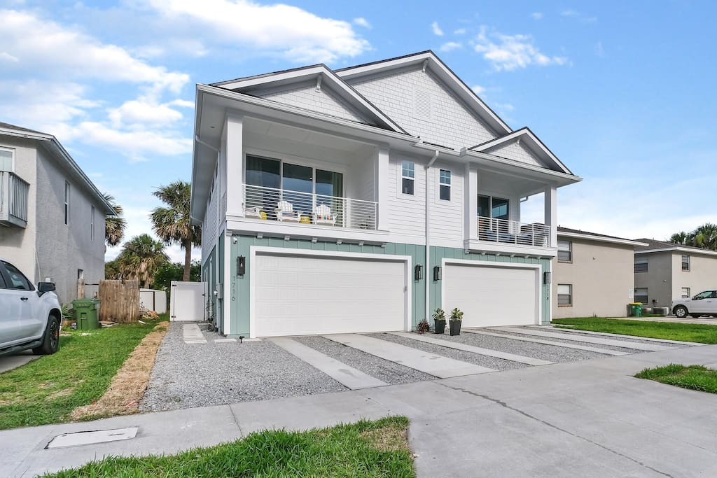 Palm Oasis North Jax Beach - Houses for Rent in ...