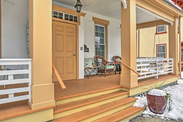 Saratoga Springs Apt. - Walk to Town & Race Track!