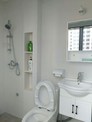 东城全新装修温馨简约挑高公寓