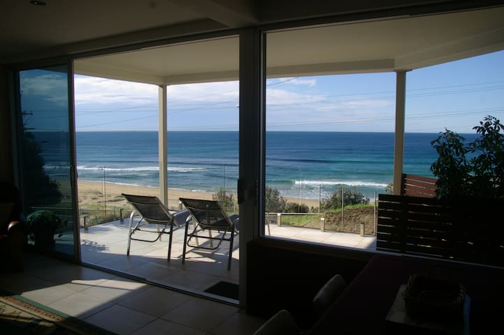 Beachfront Apartment Coledale NSW  - Coledale