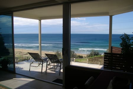 Beachfront Apartment Coledale NSW  - Apartment