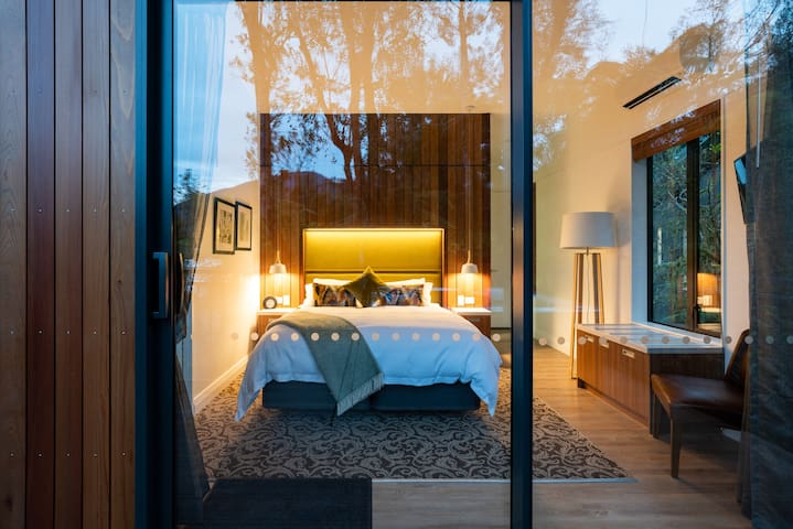 Luxury modern tree hut has a unique design with all the amenities for you comfortable stay. Large windows and private terrace allows you to immerse in the spectacular surroundings.