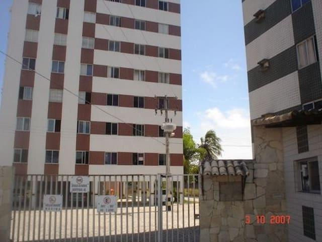 PONTA NEGRA:  Apartamento mobiliado