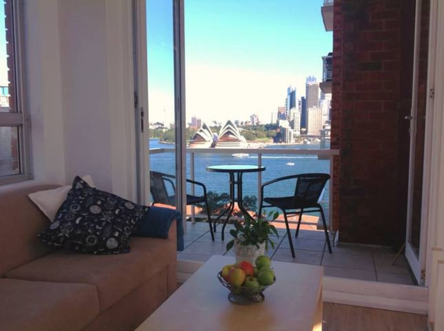 Living room with spectacular views over Sydney & the Opera House