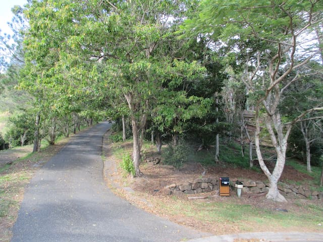 Luxurious  little piece of peace. - Currumbin Valley - Bed & Breakfast