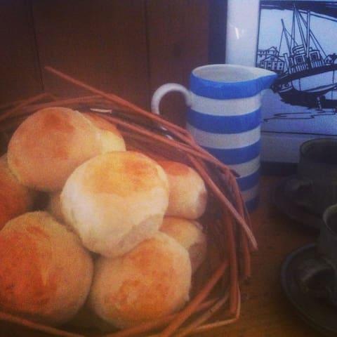A rustic farmhouse B&B - Boscastle - Bed & Breakfast