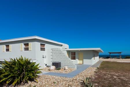 Flagler Sunshine House - Flagler Beach