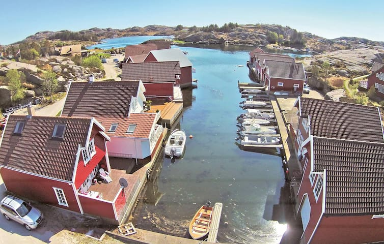 Holiday cottage with 2 bedrooms on 80 m² in Egersund