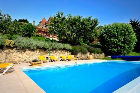 Maison en Vallée de la Dordogne - Hus