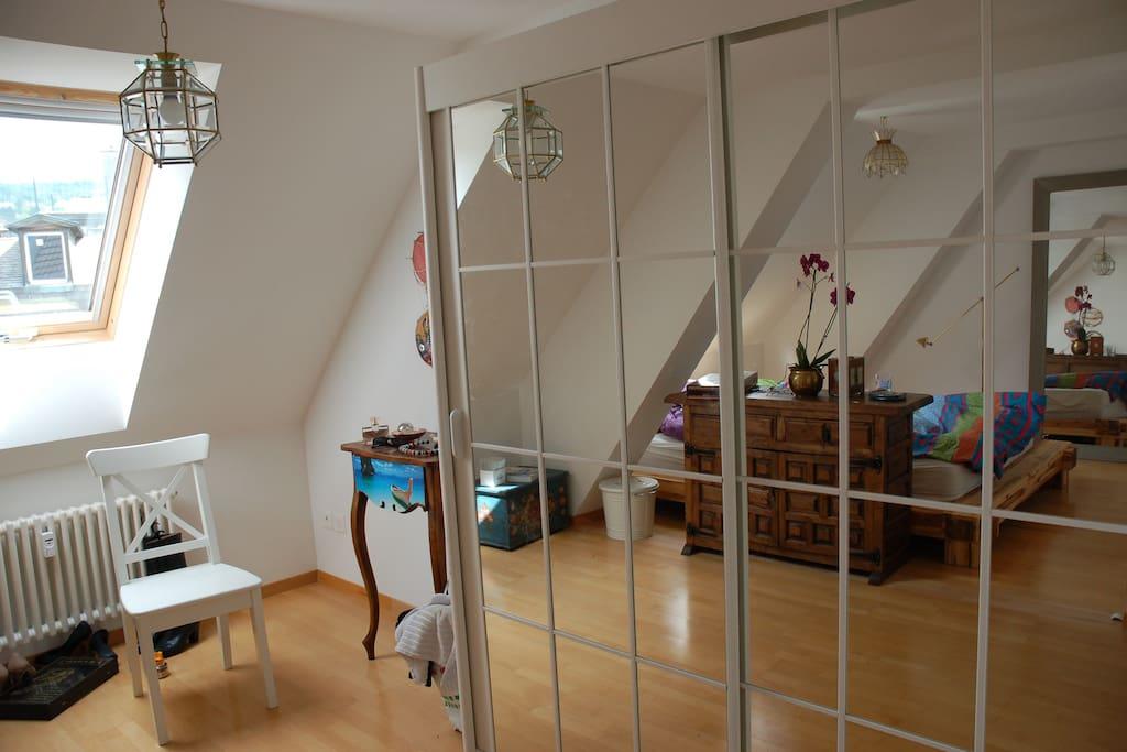 Cozy room (2/2)
