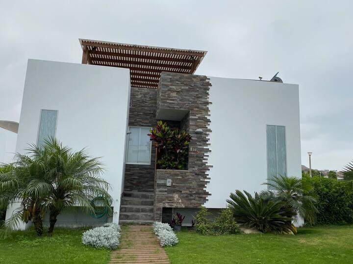 Casa de Playa, Club Privado de lujo, Cañete, Lima