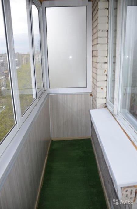 балкон с застеклением